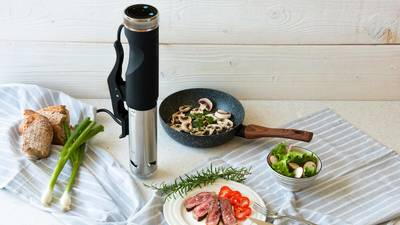 SVC100 Sous vide circulator 3